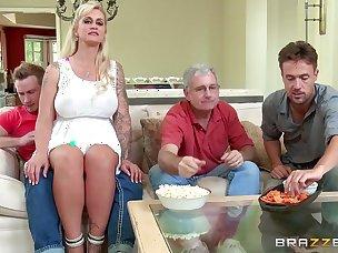 Stripping Porn Tubes